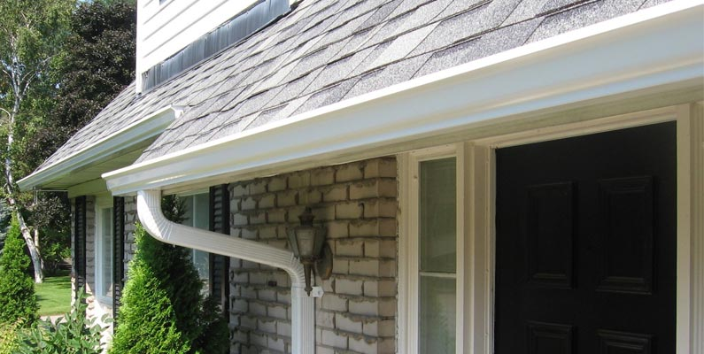 Seamless Gutters (Eavestroughs)
