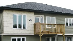 Vinyl Siding with Hardie Shakes