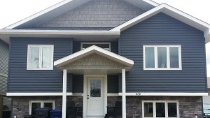 Sequoia Select Vinyl Siding with Stone Veneer examples