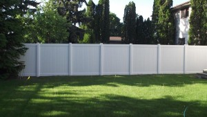 Maintenance-free Vinyl Fence Installation