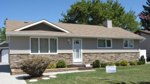 Vinyl Siding with Stone Veneer Installation